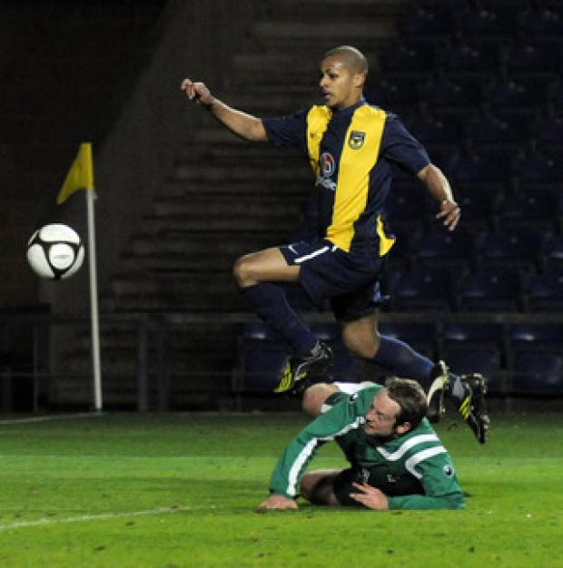 Mitchell Hanson puts Oxford United ahead against Kidlington