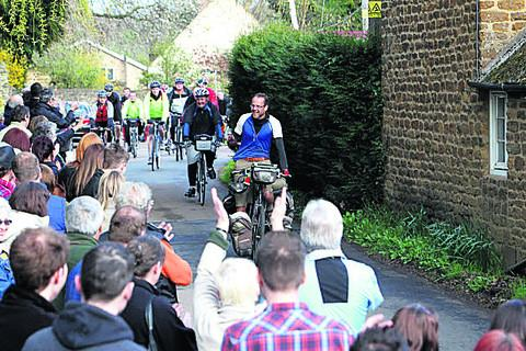 Crowds welcome Matthew home to Chacombe