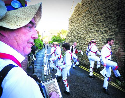 Oxford City Morris men at the Gardeners' Arms, Plantation Road     Picture: Neil Braggins