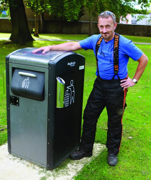 Park keeper Jason Rudge with the new bin