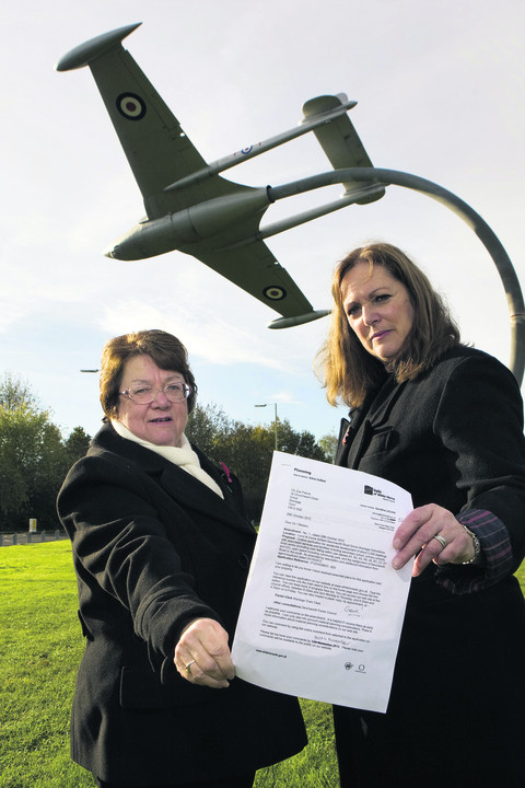 Cllr Zoe Patrick, left, and June Stock, of Grove Parish Council. Picture: OX55352 Antony Moore