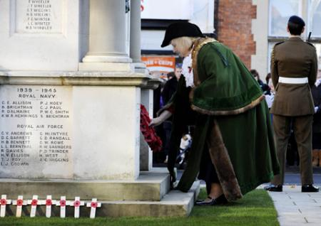 Remembrance: Silence and shunshine as the county comes together to honour the fallen service men 'who shall not grow old'