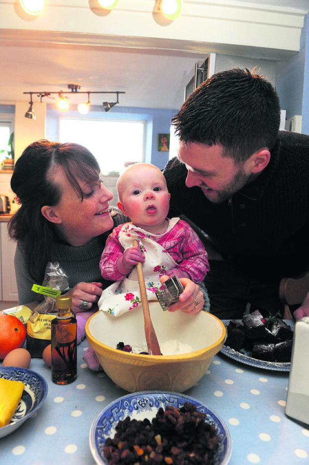 The Oxford Times: Ian and Rebekah Pugh with baby Elizabeth