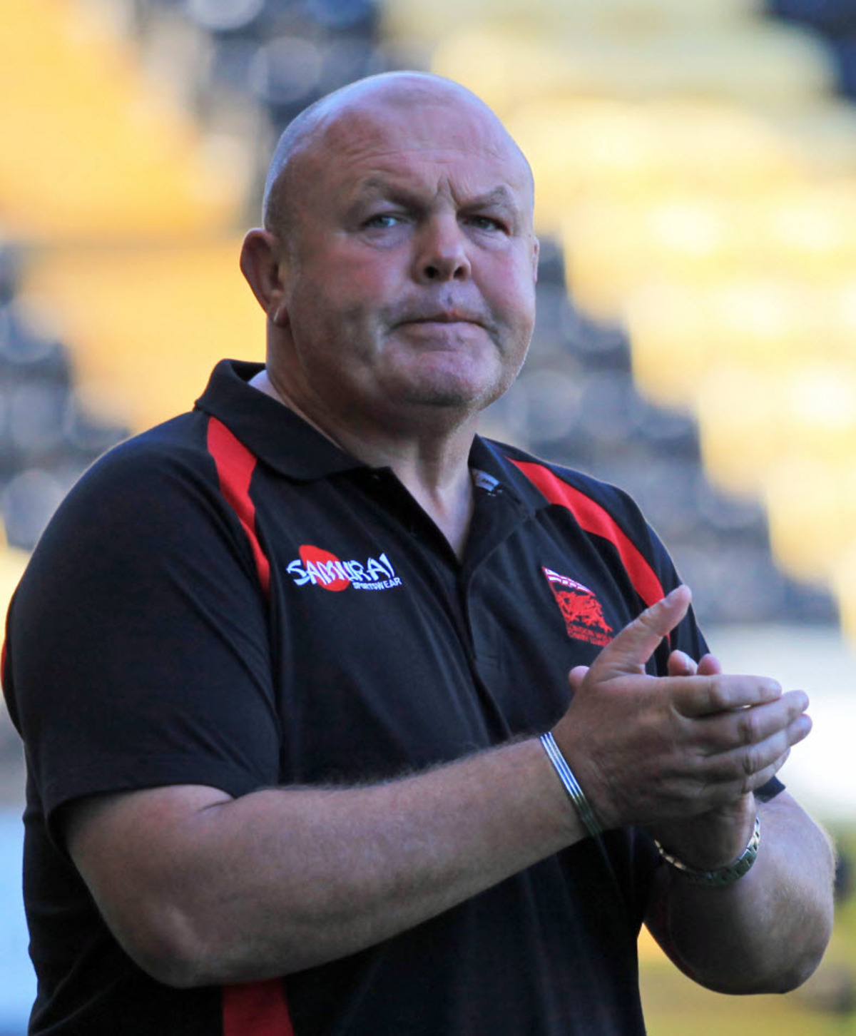 Justin Burnell has signed a new deal as London Welsh head coach