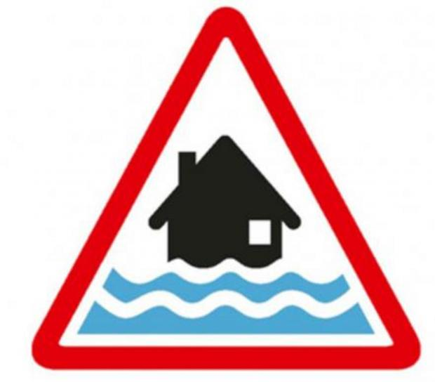 Flooding: Thames in Oxford remains on flood warning