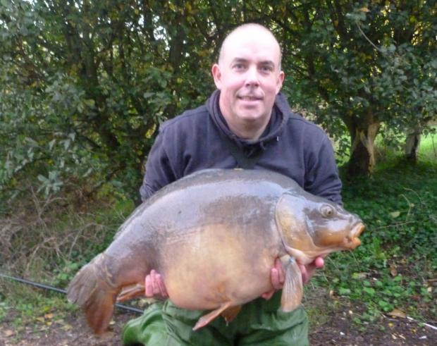 Paul Girling set a Linear Fisheries record with this mirror carp of 48lb 4oz from Manor Farm Lake in October