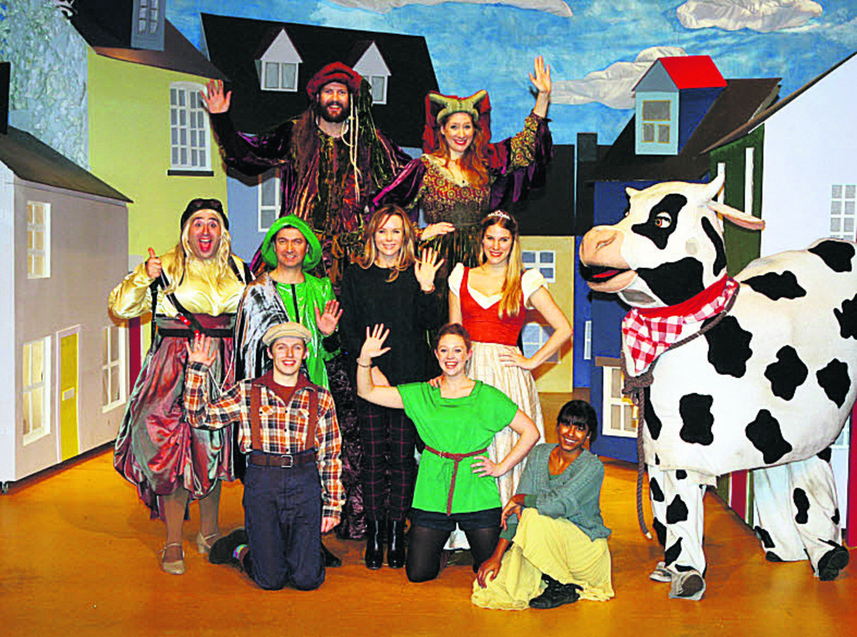 Amanda Holden, centre, joins the cast of Jack and the Giant on stage at The Theatre, Chipping Norton