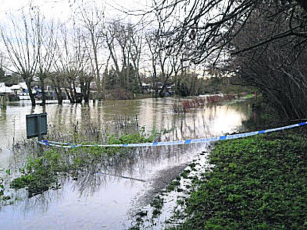The Oxford Times: Police sealed off the towpath near Osney Lock after the incident