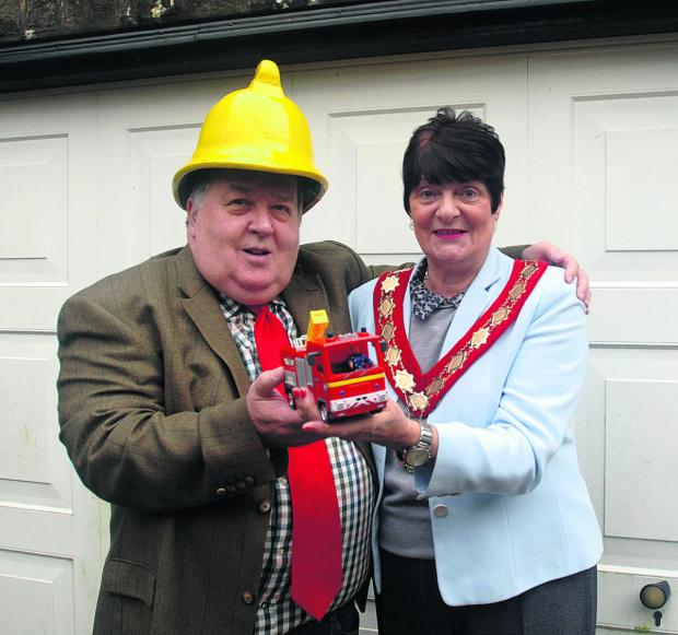 Carterton county councillor Peter Handley and mayor Lynn Little