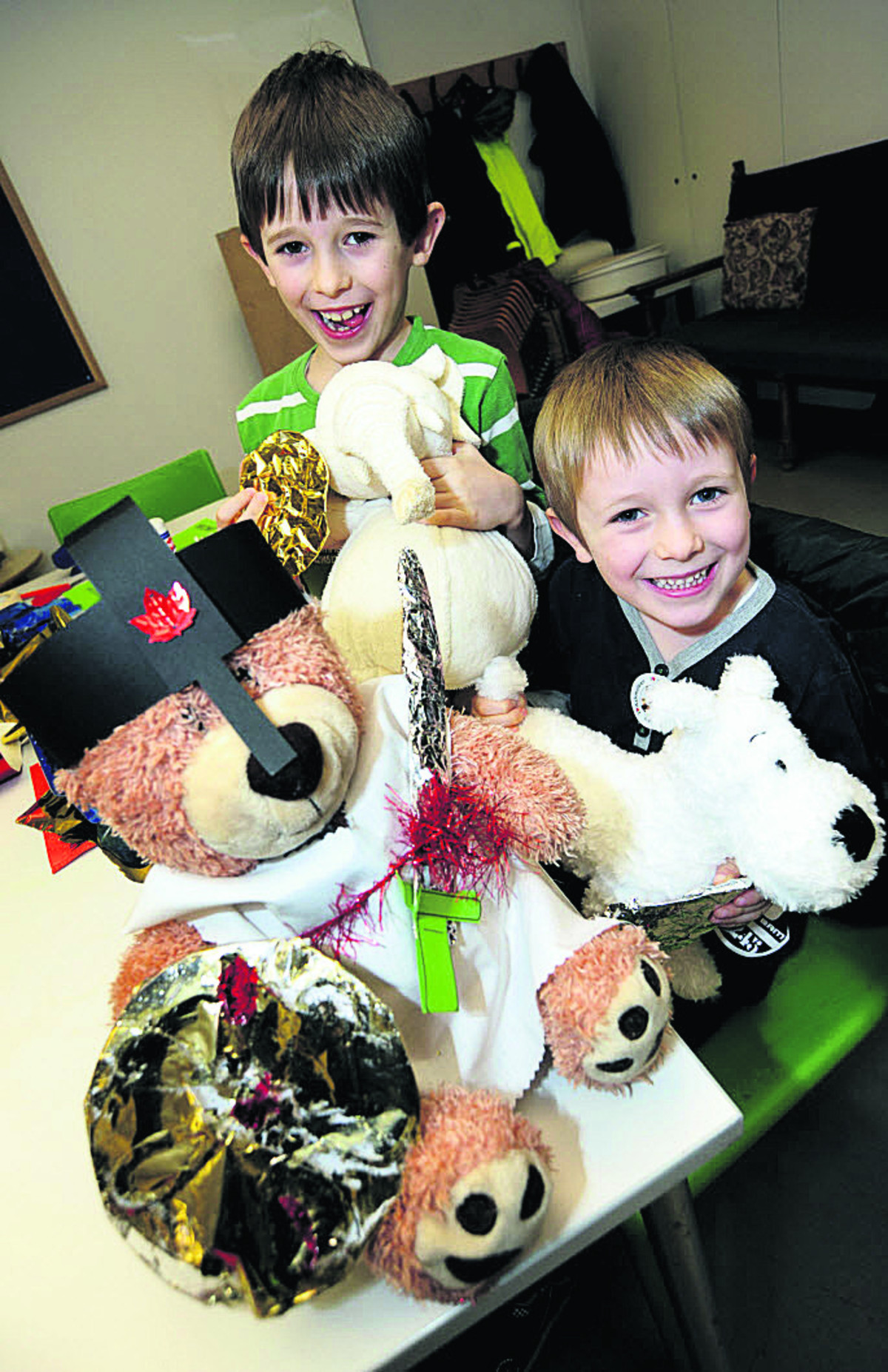 BATTLE BEARS: Brothers Sebastian Chapple, six, and Dominik, four, with their teddies at the Ashmolean