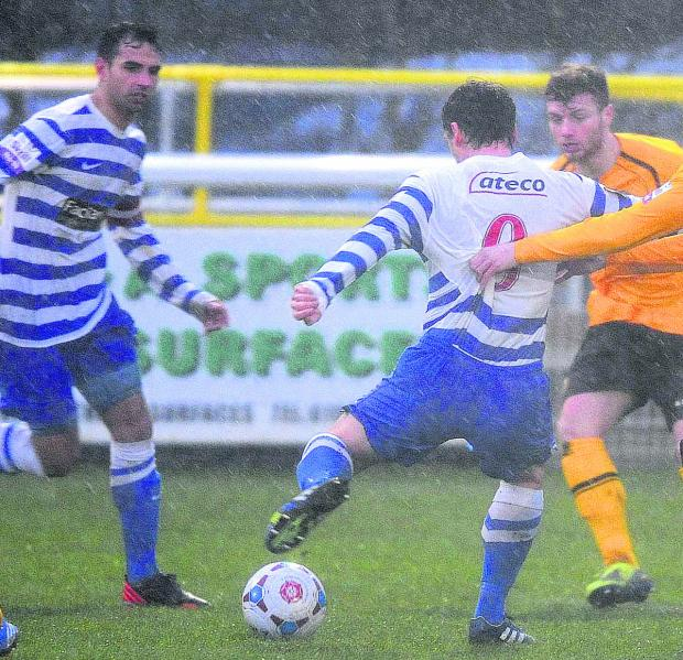 The Oxford Times: Jamie Cook struggles in the poor conditions