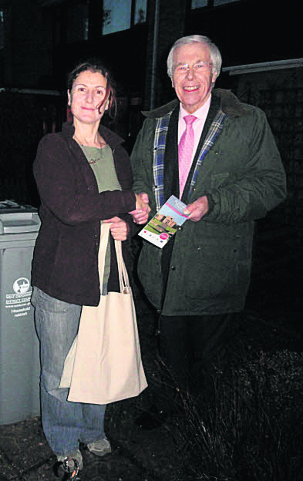 Reg Waite, of Oxfordshire Waste Partnership, is pictured presenting Ms Rhea Zambrellas with her prize