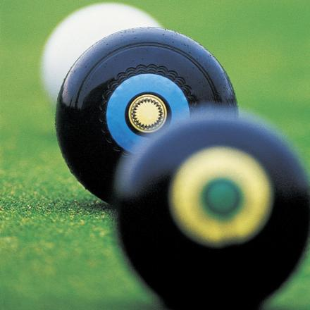 BOWLS: Oxon veteran Ley reaches 800-game milestone