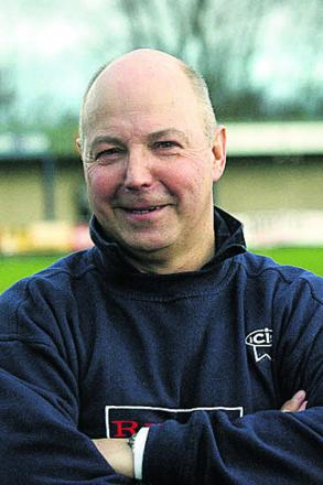 Former Oxford City coach Andy Sinnott has been appointed as assistant manager-coach of Didcot Town