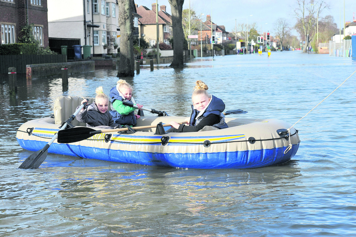 Rowing on the Abingdon Road. Left to right: Maye Ramsey, Aaliyah Boone and Kayley Simmons