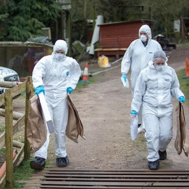 The Oxford Times: Police at the murder scene at Keepers Cottage Stud