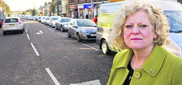 Headington county councillor Roz Smith with queuing traffic in London Road            Picture: OX65592 Antony Moore
