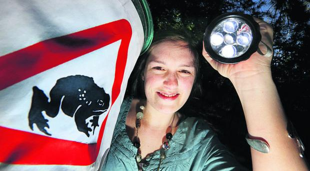 The Oxford Times: New Hinksey Toad Patrol organiser Laura Jennings Picture: OX820 Damian Halliwell