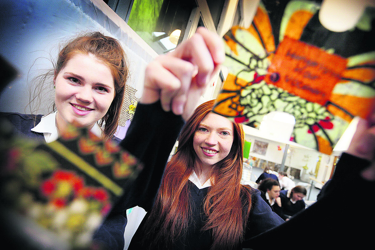 Our Lady's Abingdon pupils Anna Gibson, left, and Elise Hearn, with some of the jigsaw pieces.  Picture: OX65858 Damian Halliwell