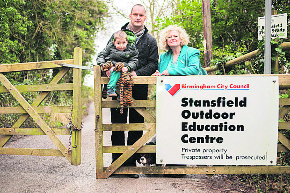 Left to right: Finley Spooner, Andy Spooner, deputy head at Windmill Primary School in Headington, and Cllr Roz Smith at the centre