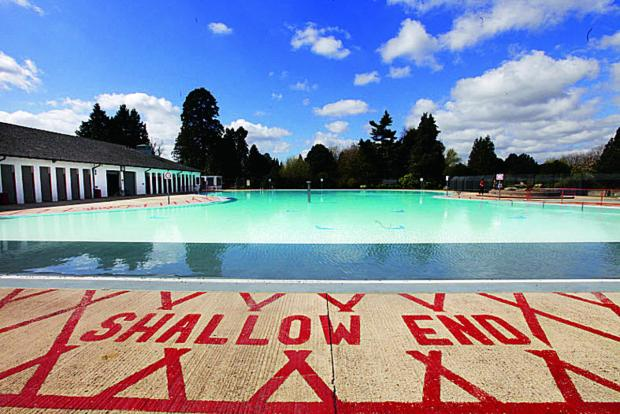 The heated outdoor pool at Hinksey Park