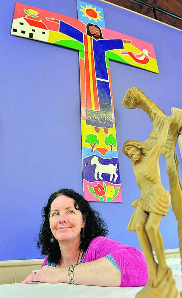 The Oxford Times: Rev Jane Sherwood will host a joint art project with visitors from Chicago's North Park University. Picture: OX66751 Simon Williams