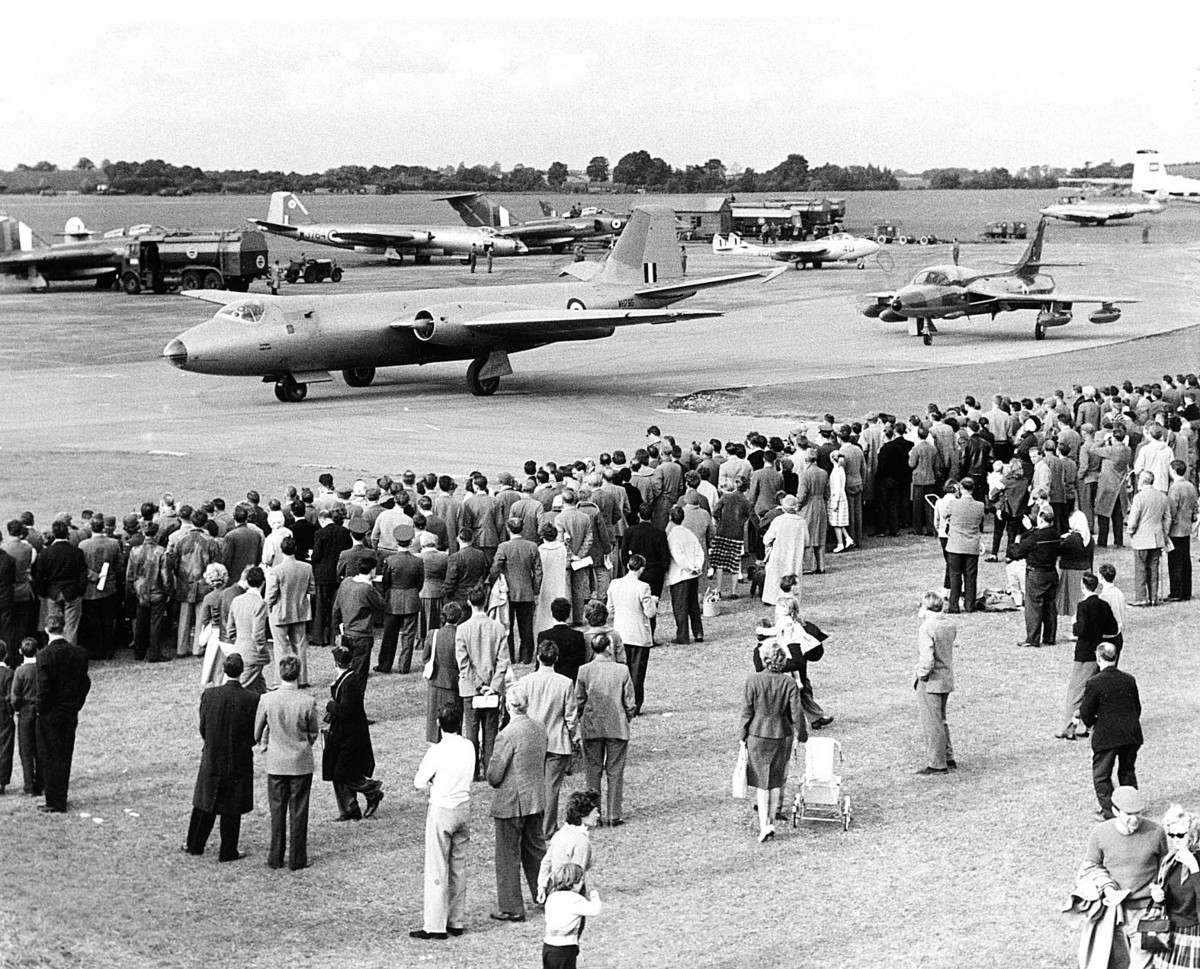 A Canberra was among aircraft which featured in an airshow at RAF Benson in 1960