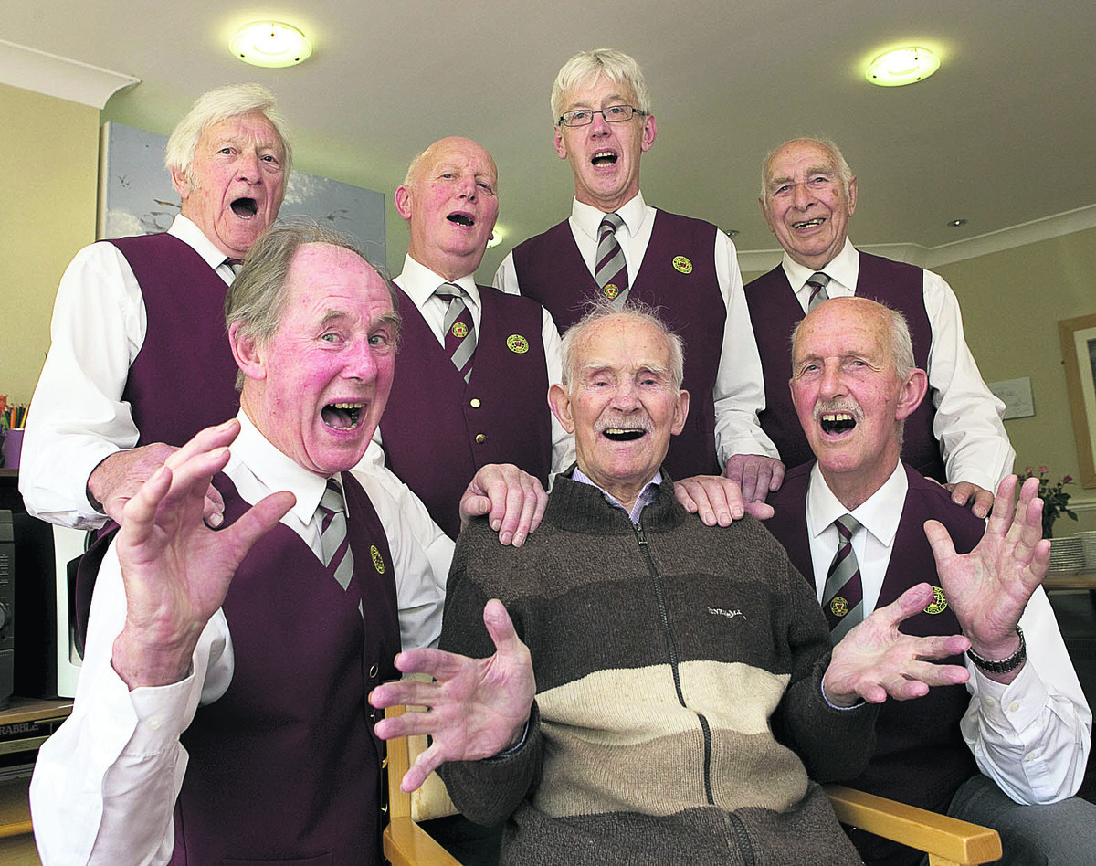 David 'Haydn' Cooper, front centre, joins current members of the Oxford Welsh Male Voice Choir – back from le