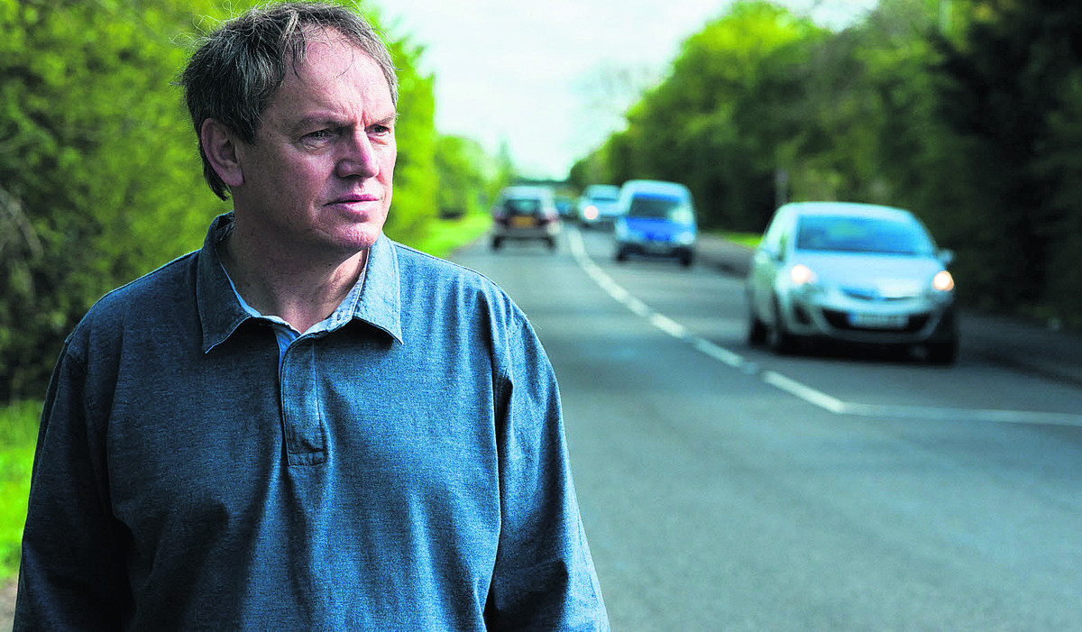 Councillor Les Sibley at the junction  of Howes Lane. Picture: OX66989 Greg Blatchford
