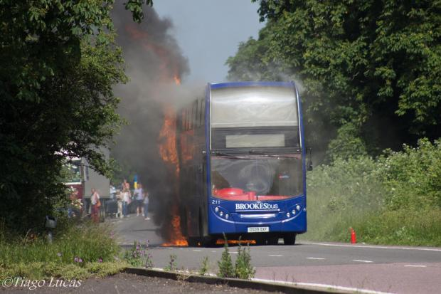 The Oxford Times: A photo of the bus fire from reader Tiago Lucas