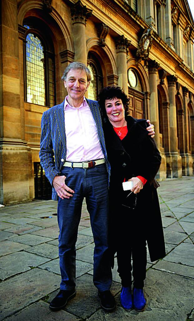 The Oxford Times: Ruby Wax with Prof Colin Blakemore.    Picture: OX67641 David Fleming