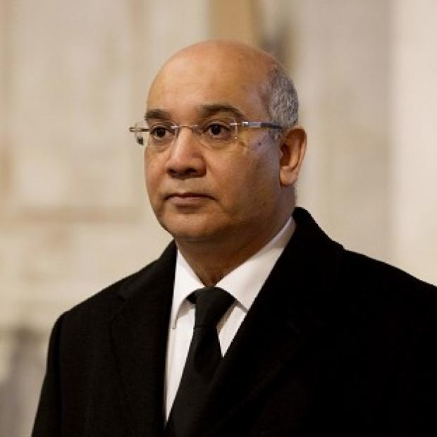 "The Oxford Times: Keith Vaz says shifting frontline Border Force staff to help deal with a backlog of 30,000 passport applications would be ""wholly unacceptable"""