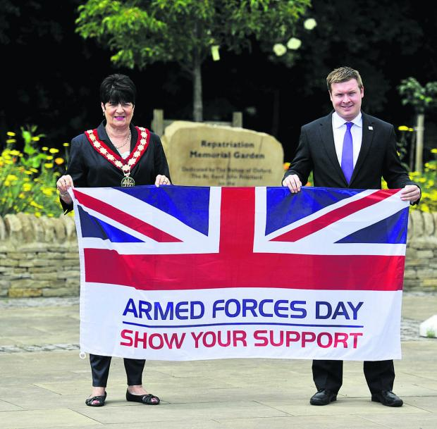 The Oxford Times: Carterton Mayor Lynn Little with the town's Armed Forces Day event organiser Liam Walker            Picture: OX67816 Mark Hemsworth