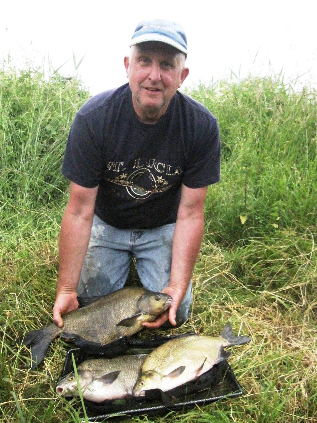 Steve Bartrum with the three bream that saw him come out on top in Yarnton & District AC's match