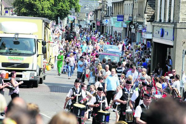 Up to 9,000 visitors enjoyed the Witney Carnival on Saturday.  Pictures: OX68514 Damian Halliwell