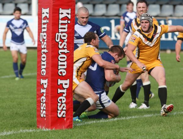 Matty Hadden forces his way over for Oxford's third try