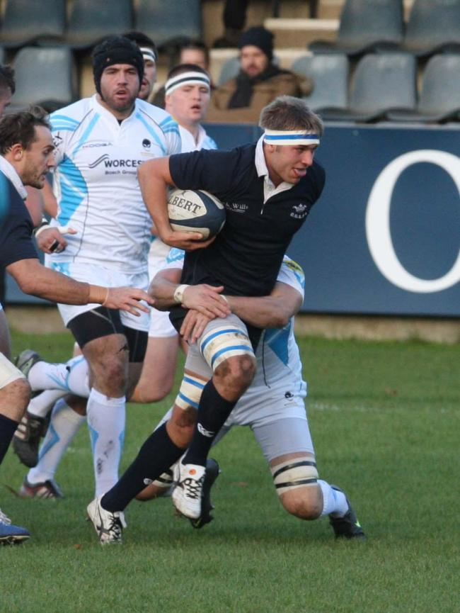Former Oxford University flanker Gus Jones has joined London Welsh