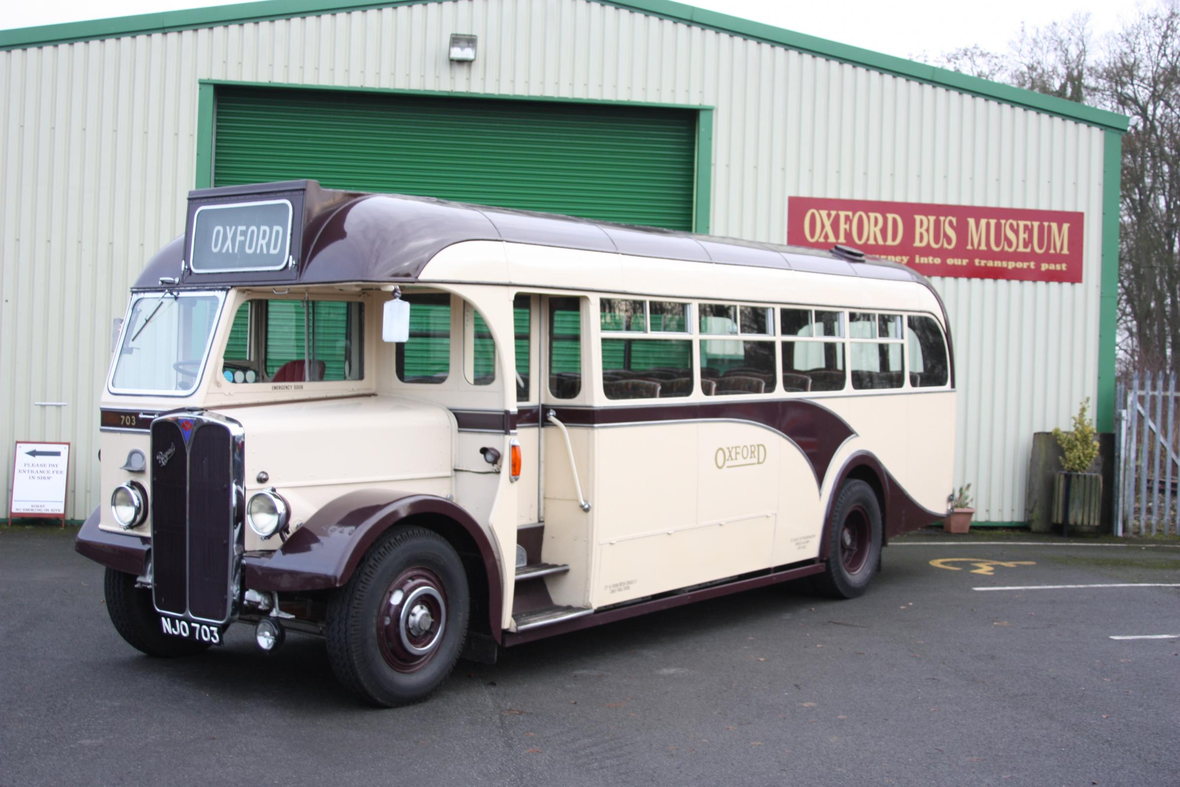 Free Vintage Bus Rides for Museum visitors