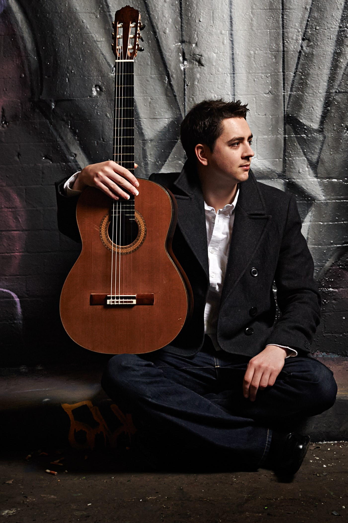Introducing Classical Guitarist MANUS NOBLE