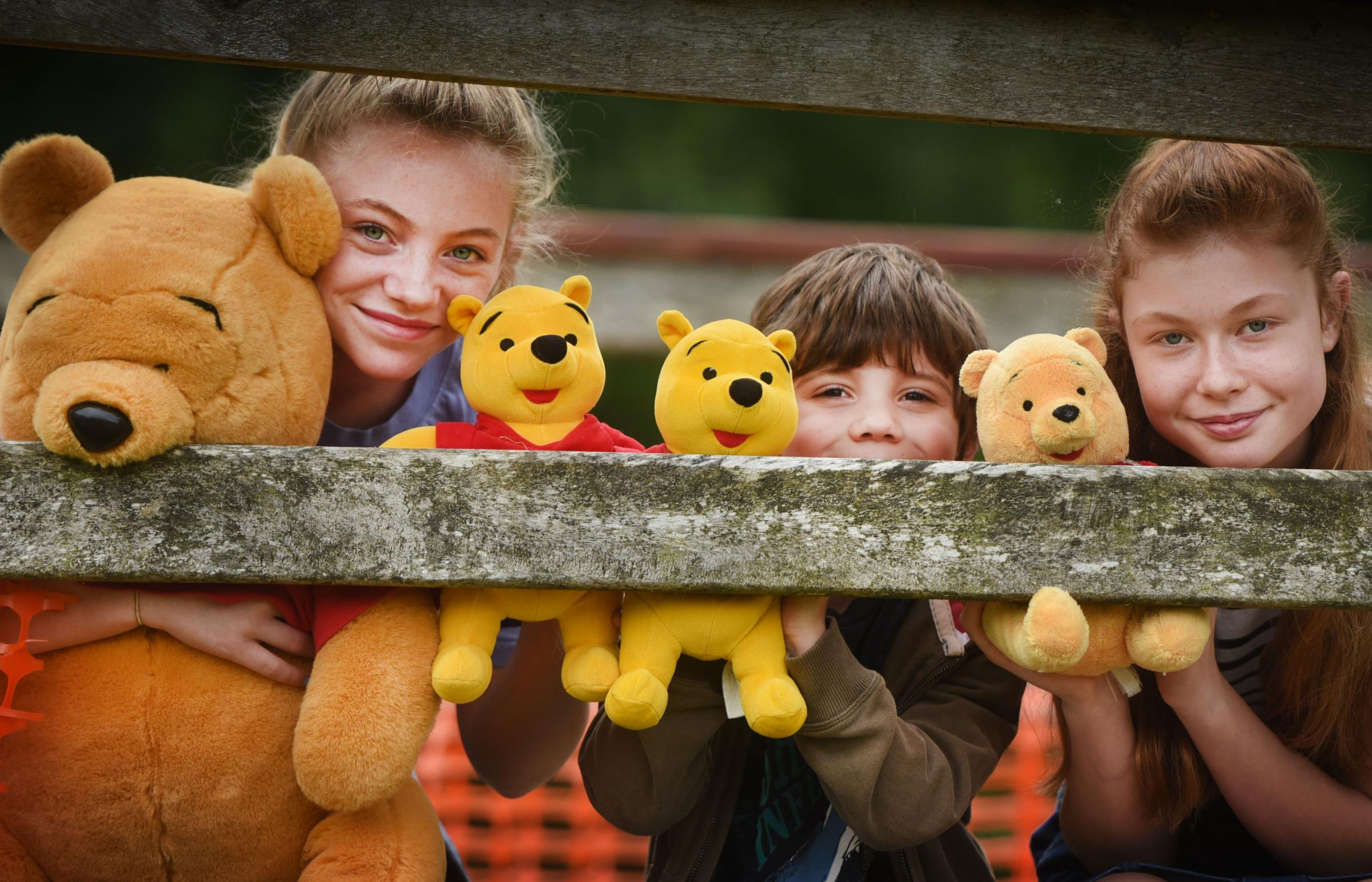 The World Pooh Sticks Championships in Witney. Pictured is Fleur Edwards (12) Alexander Edwards (6), and Megan Harrison (12). Picture: Richard Cave Photography