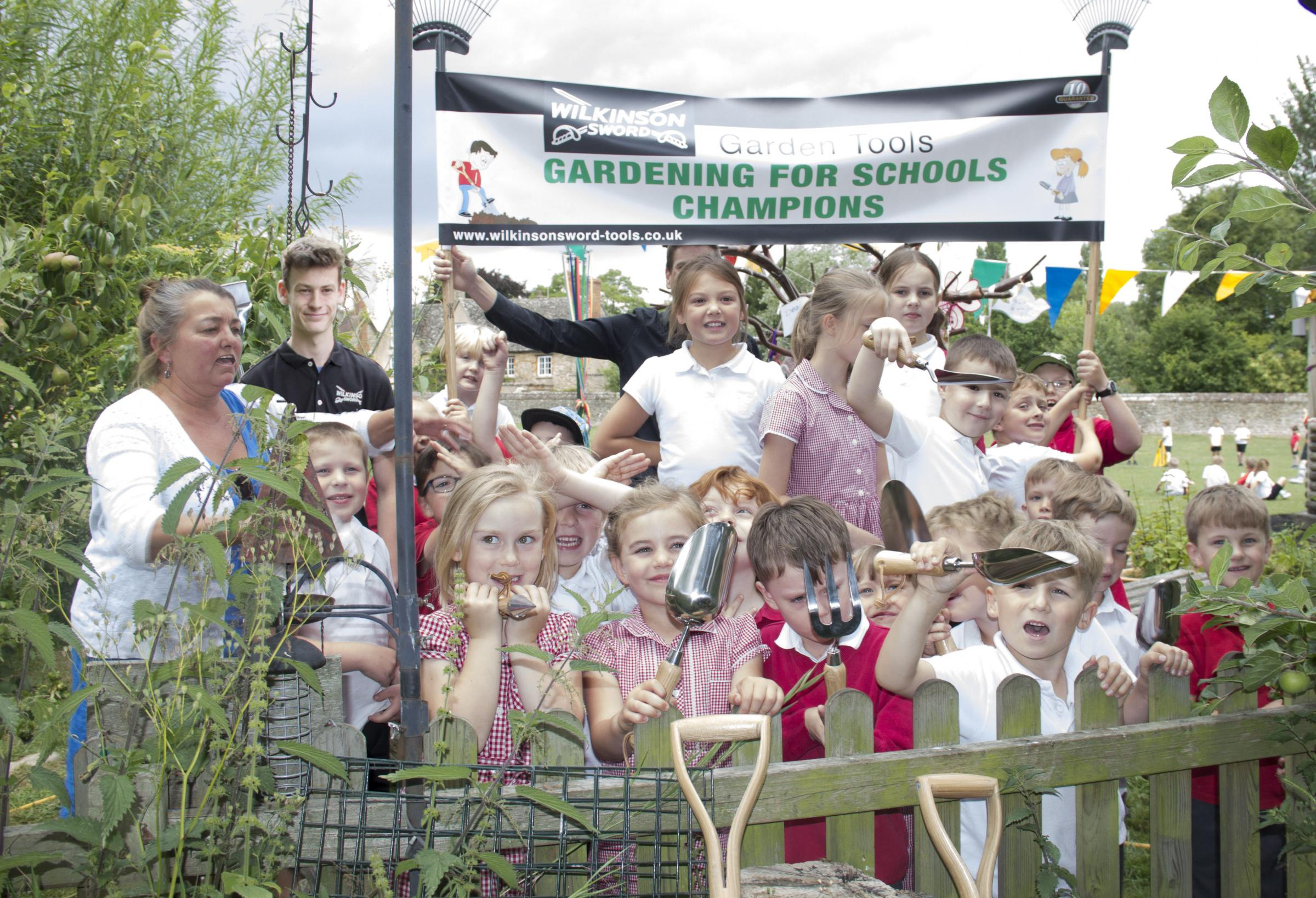 Pupils Scoop Top Prize In Garden Design Competition From The - oxford garden design school