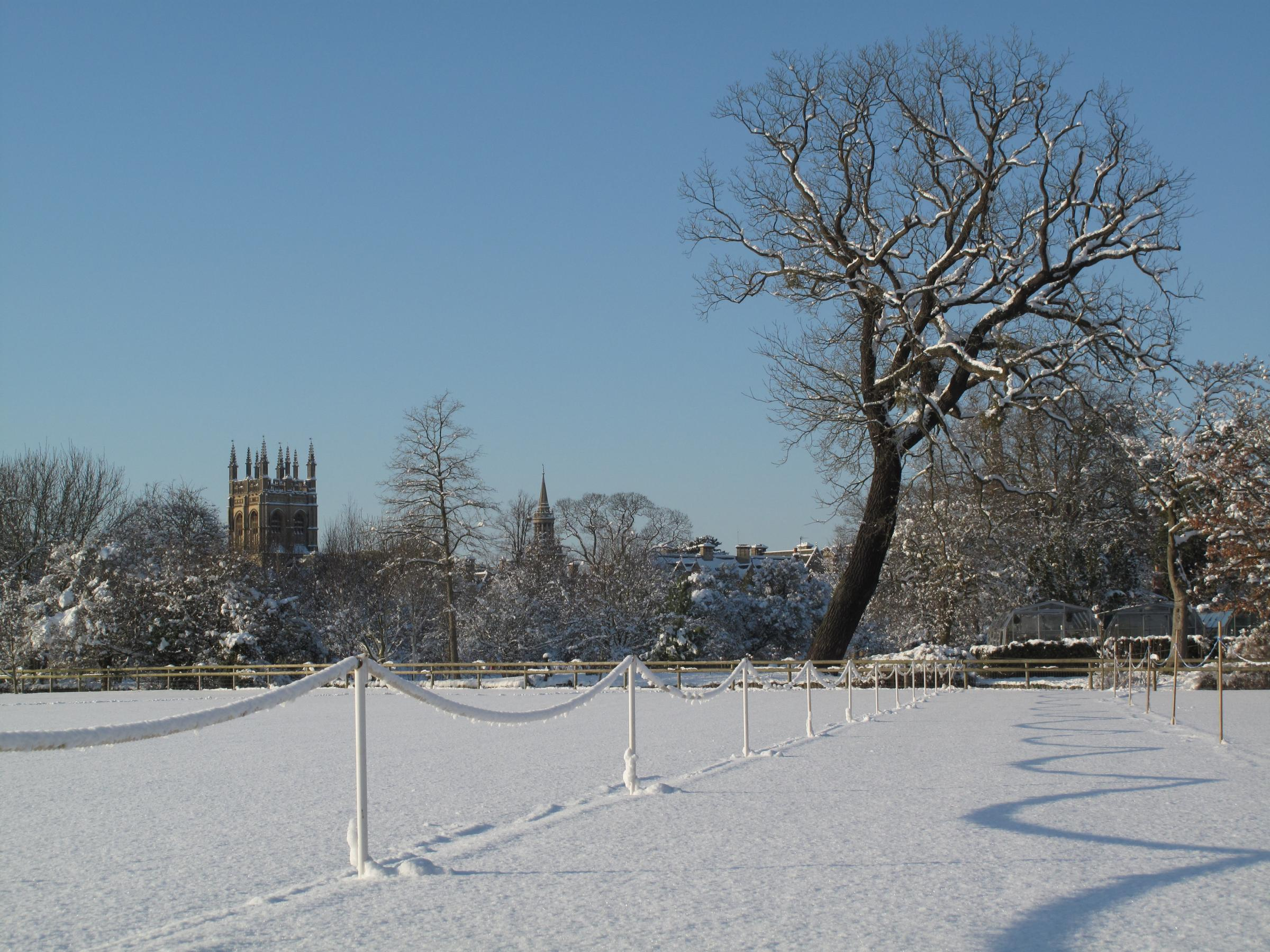 OXT_08/03/2018_15_Page leader Snow and blue sky oxford