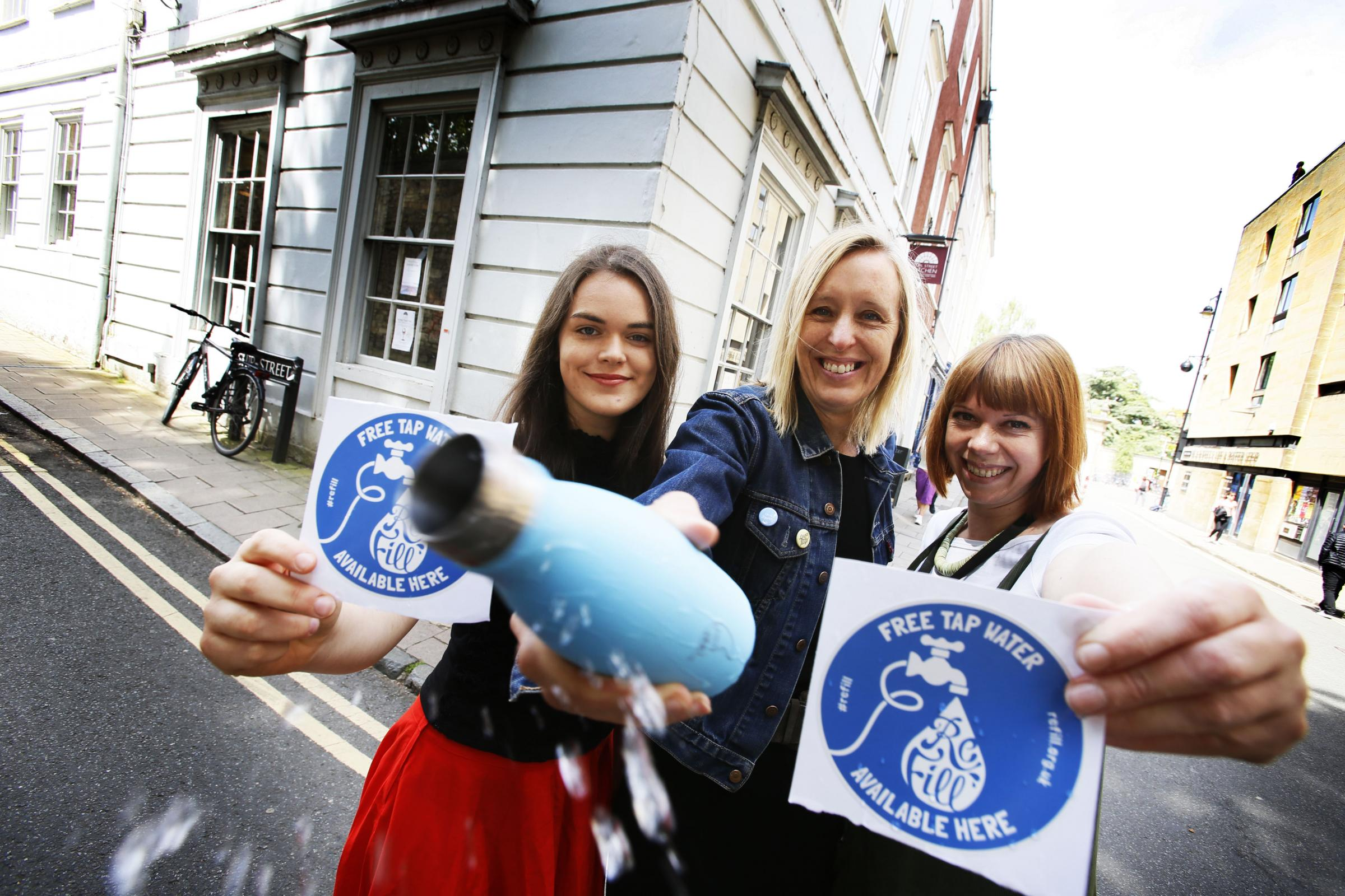 A national Refill scheme, started by Bristol-based City to Sea, is now setting up in Oxford to reduce plastic waste. The scheme promotes and encourages the use of free tap water in restaurants, cafes, bars, pubs, museums and galleries on every high street