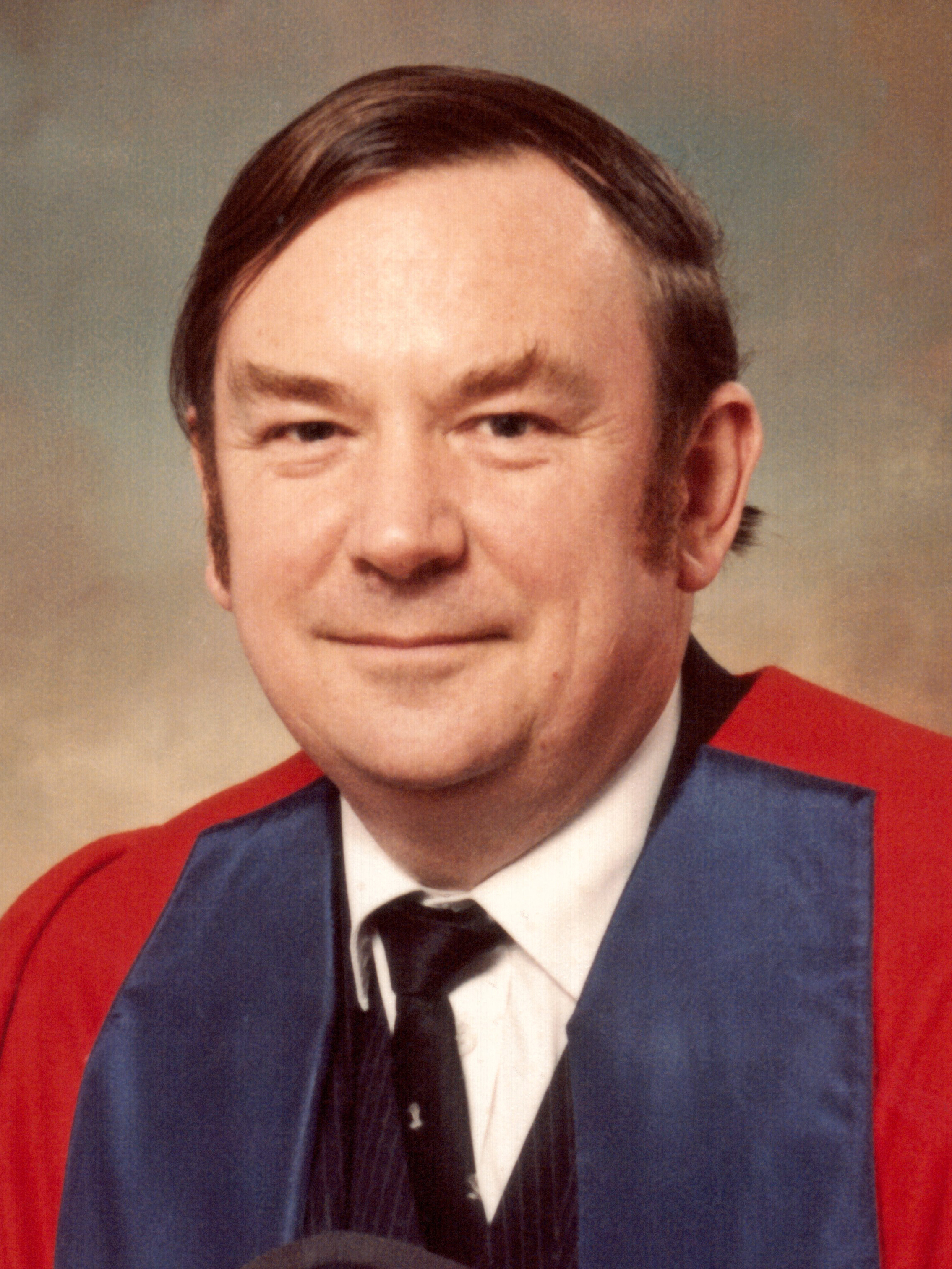 Dr David Pattison