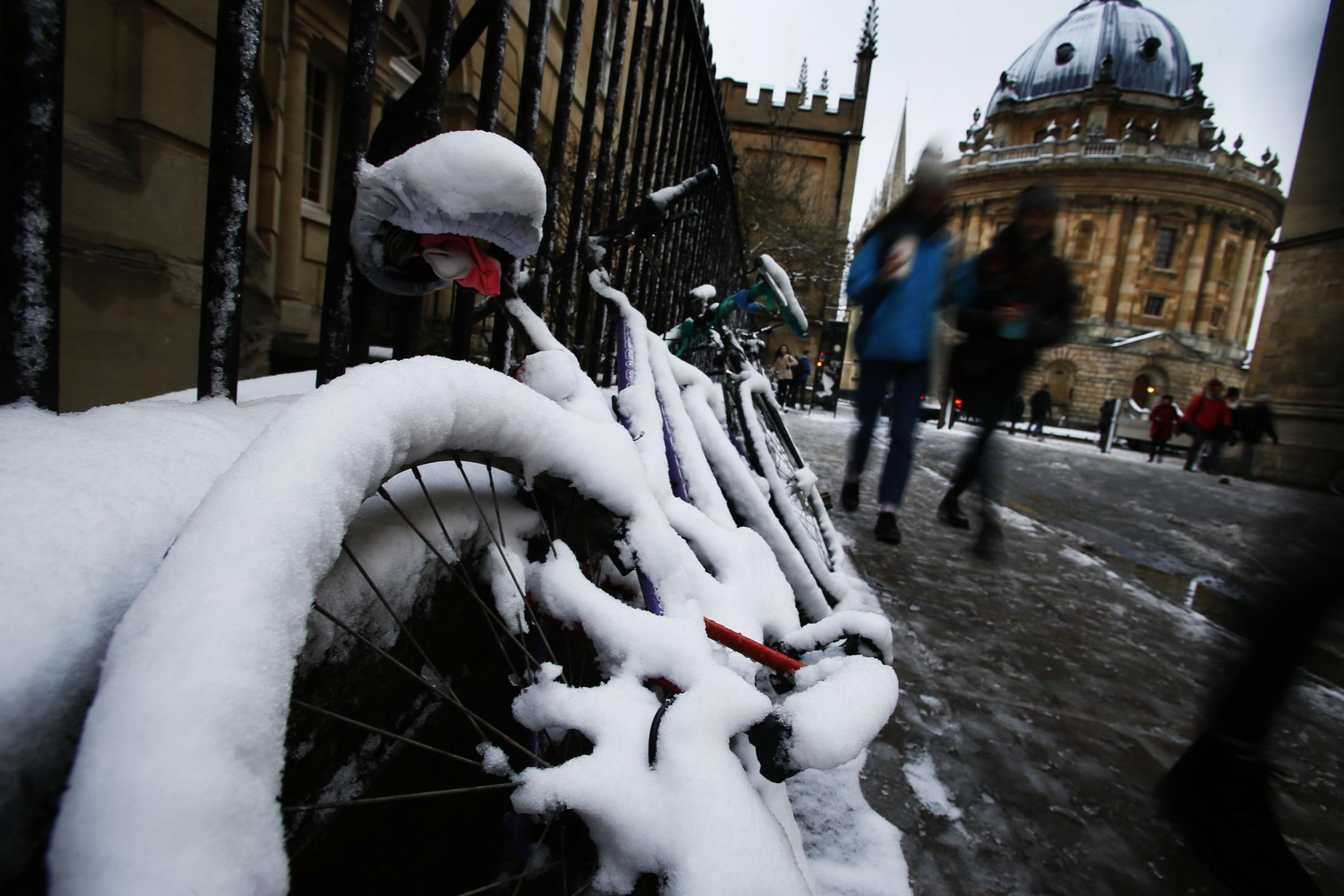 SNOW: Amber warning issued as more snow predicted