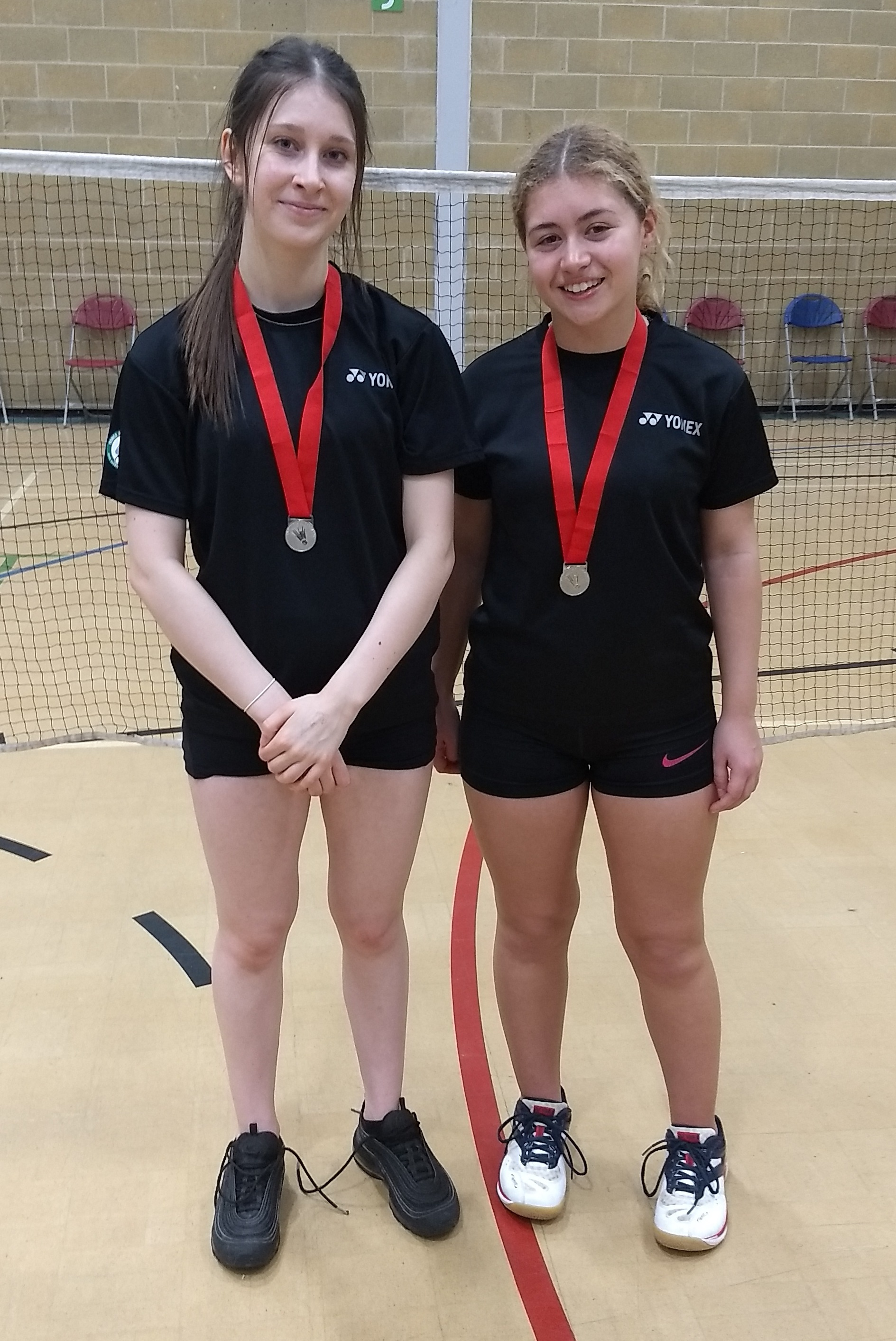 Maddy Cook and Holly Craig with their silver medals in Abingdon
