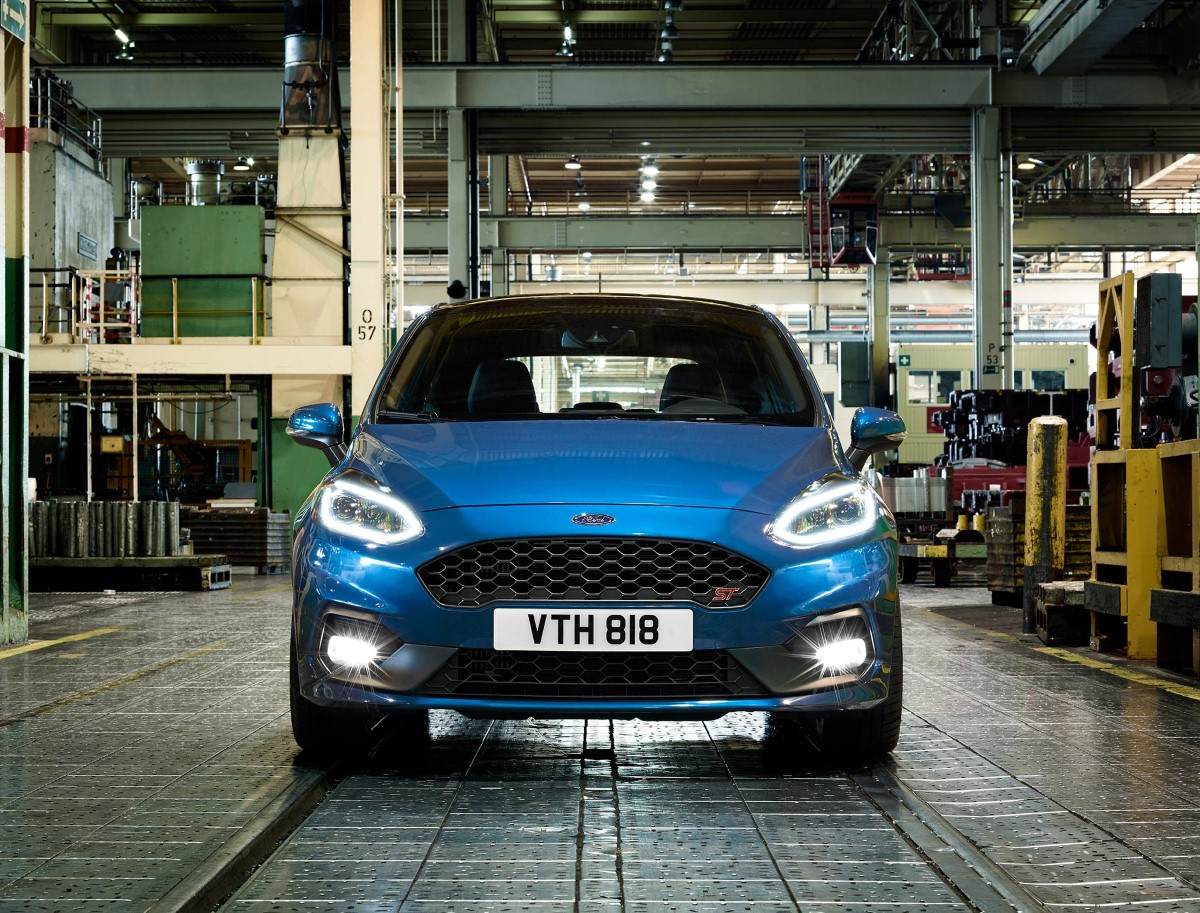 Road test of the Ford Fiesta ST-2 1.5T Ecoboost